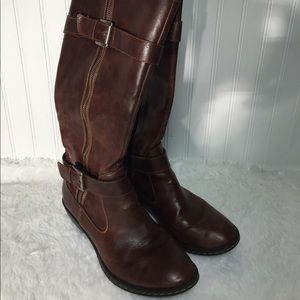 Born brown leather boots 6.5 m